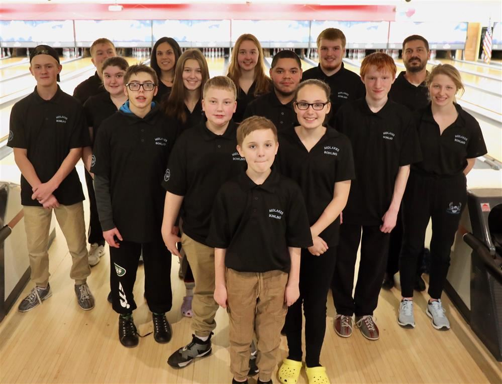 image of midlakes unified bowling team
